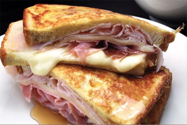 http://www.pequerecetas.com/wp-content/uploads/2010/03/sandwich-monte-cristo.jpg