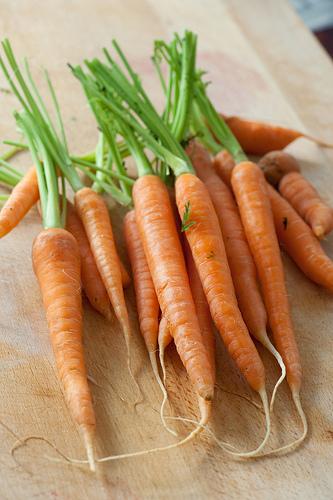 Zanahoria Imprescindible En El Embarazo Y En La Alimentacion Infantil Pequerecetas Las zanahorias son raíces comestibles muy ricas en fibra y antioxidantes, con grandes beneficios para la piel, aparato digestivo 2 zanahorias, ricas en betacaroteno y fibra, muy desintoxicantes. el embarazo