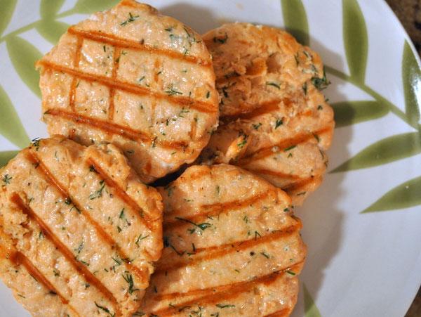 Hamburguesas de salm n pequerecetas - Formas de cocinar salmon ...