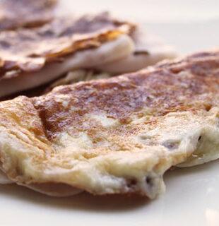 Crepes de queso y pechuga de pavo