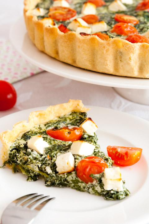 http://www.pequerecetas.com/wp-content/uploads/2011/07/Quiche-de-espinacas-tomates-cherry-y-queso-feta.jpg