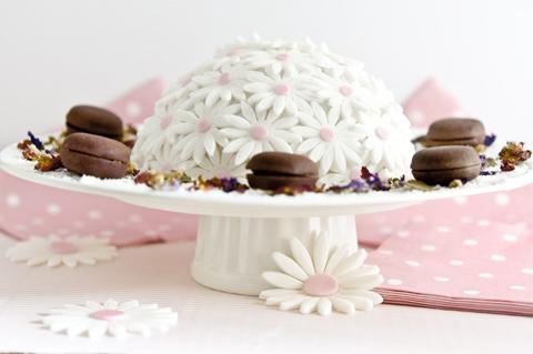 tarta con flores de fondant receta