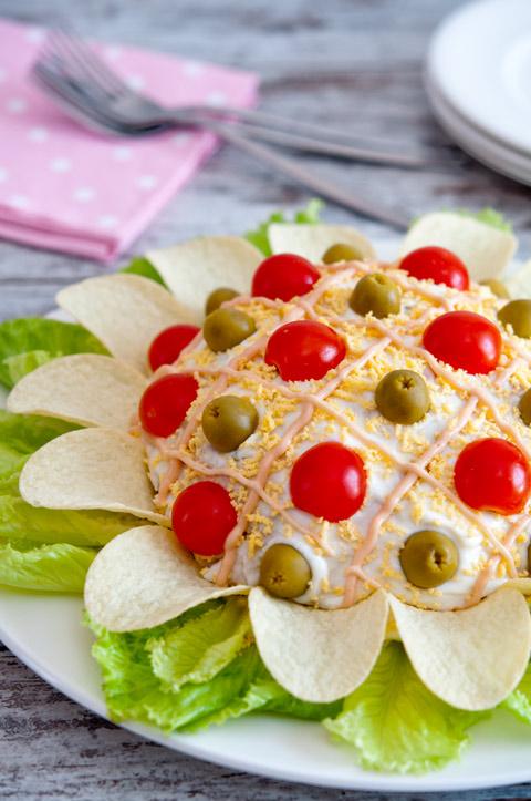 Flor de ensaladilla rusa pequerecetas - Como decorar una ensaladilla rusa ...