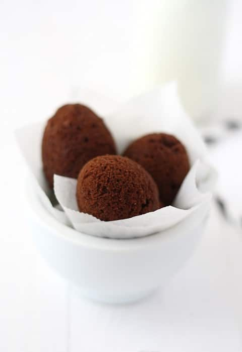 Brownie en cascara de huevo