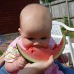 Alimentación del bebé, cómo introducir las frutas