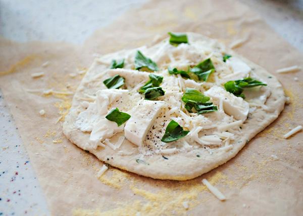 Pizza cuatro quesos receta