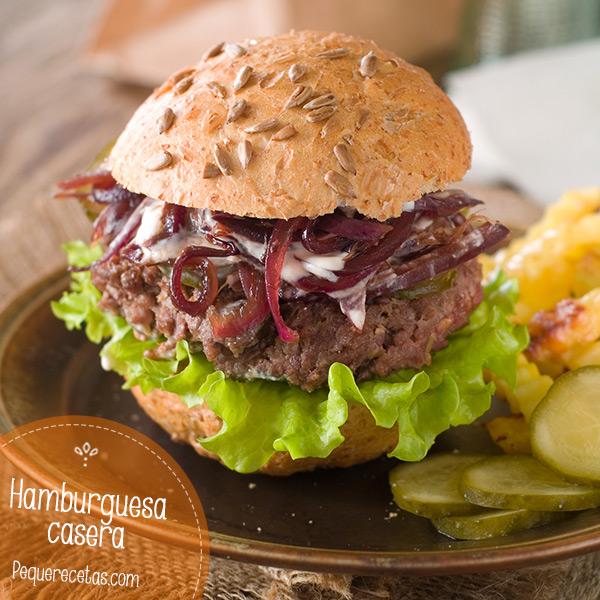 hamburguesas con cebolla caramelizada