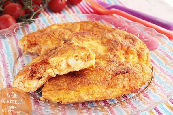 Tortilla con sobrasada y queso