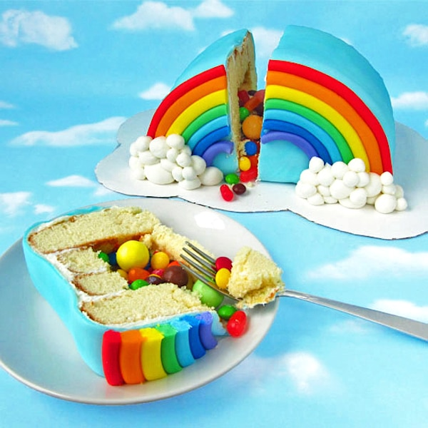 Tarta piñata arco iris