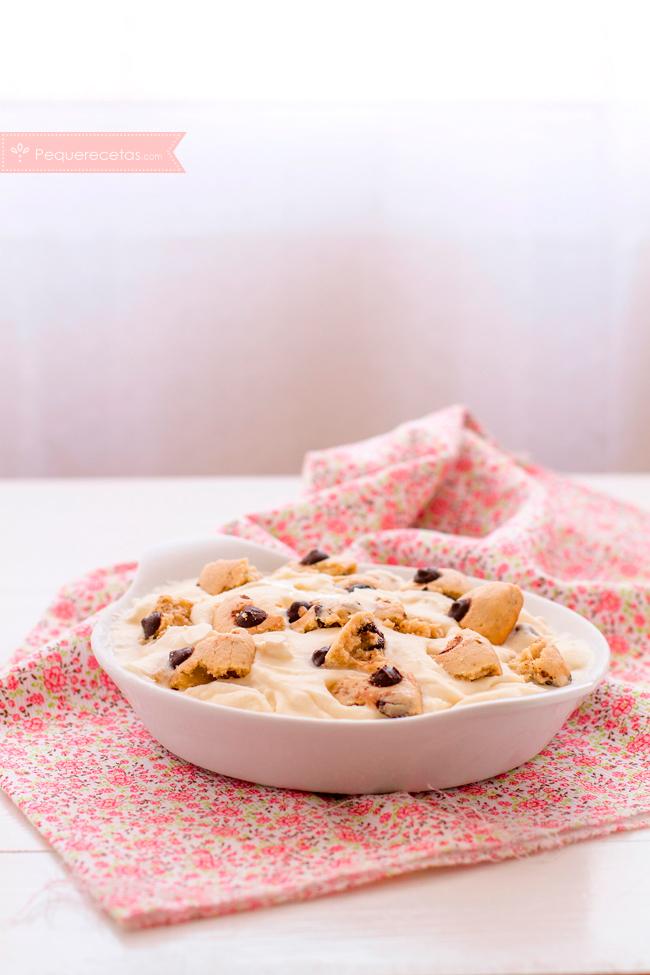helado-de-nata-y-miel-con-cookies