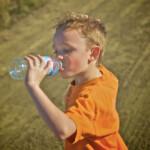 Hidratación infantil, cómo evitar la deshidratación en niños
