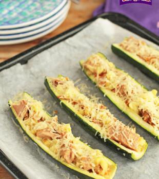 Calabacines con filete de atun en salsa