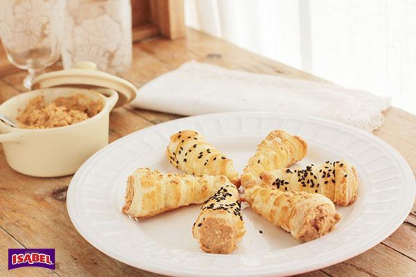 Cornetes-de-hojaldre-con-pate-de-mejillones-(2)