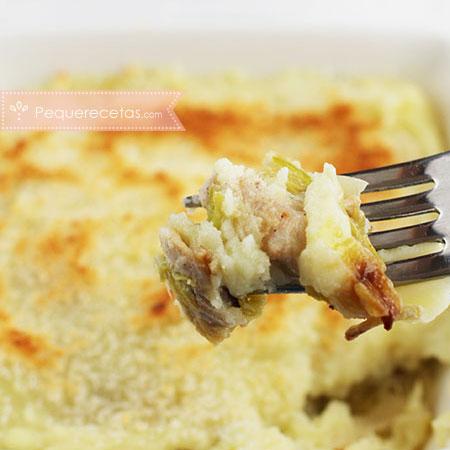 Pastel de pollo, patata y puerro