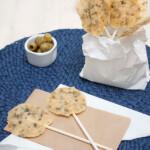 Piruletas de queso, ¡un aperitivo divertido!