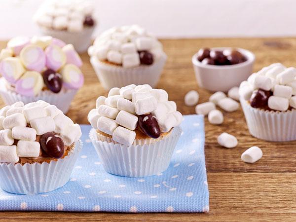 Aprende a hacer cupcakes divertidos para los ni os - Pequerecetas magdalenas ...