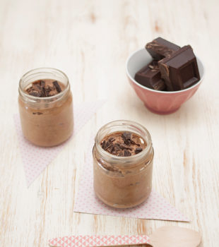 deliciosa mousse casera de chocolate