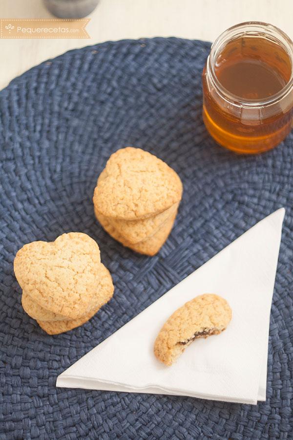 como preparar galletas de miel con relleno de chocolate