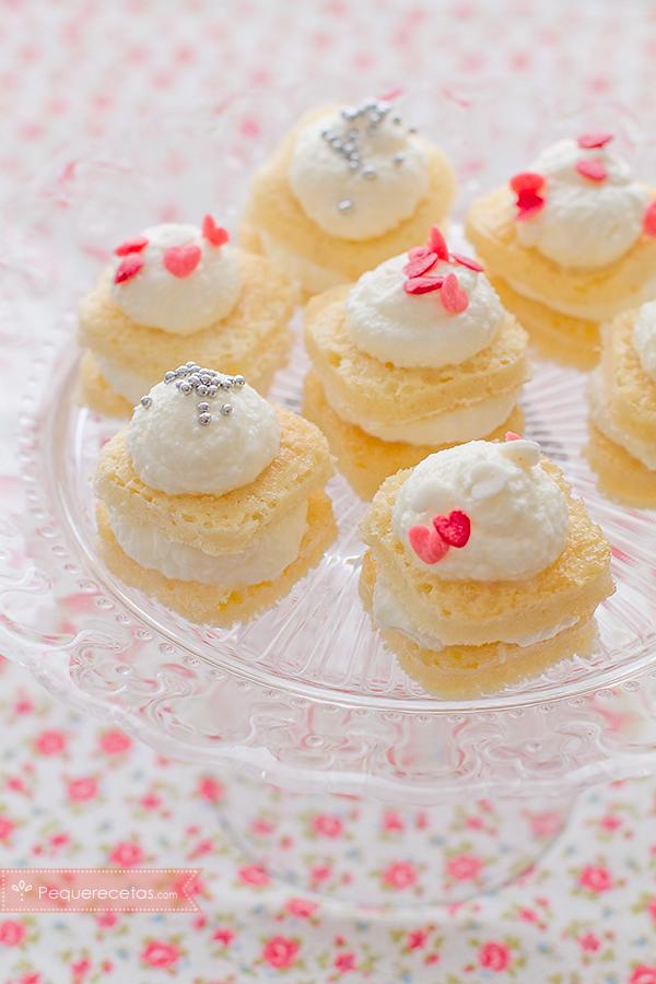 pasteles de bocado con nata