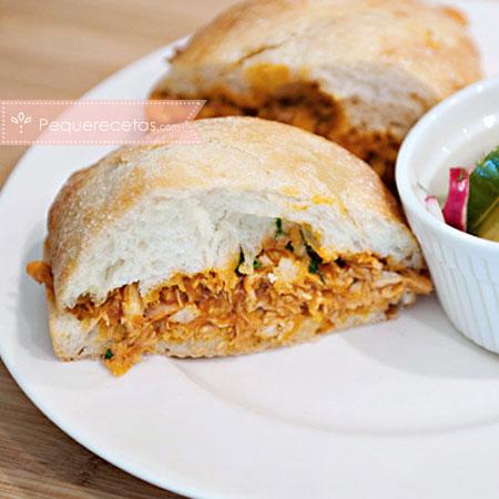 Cómo hacer sándwich de pollo con salsa barbacoa