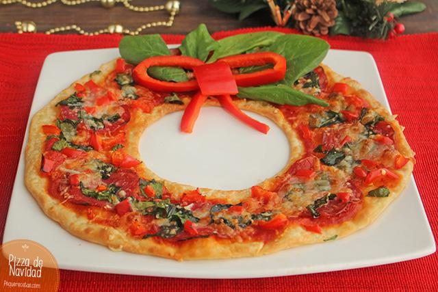 pizza de navidad en forma de corona