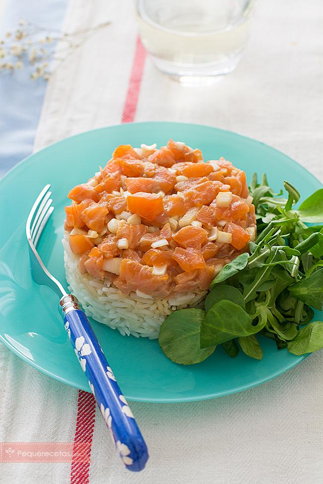 tartar de salmón con arroz