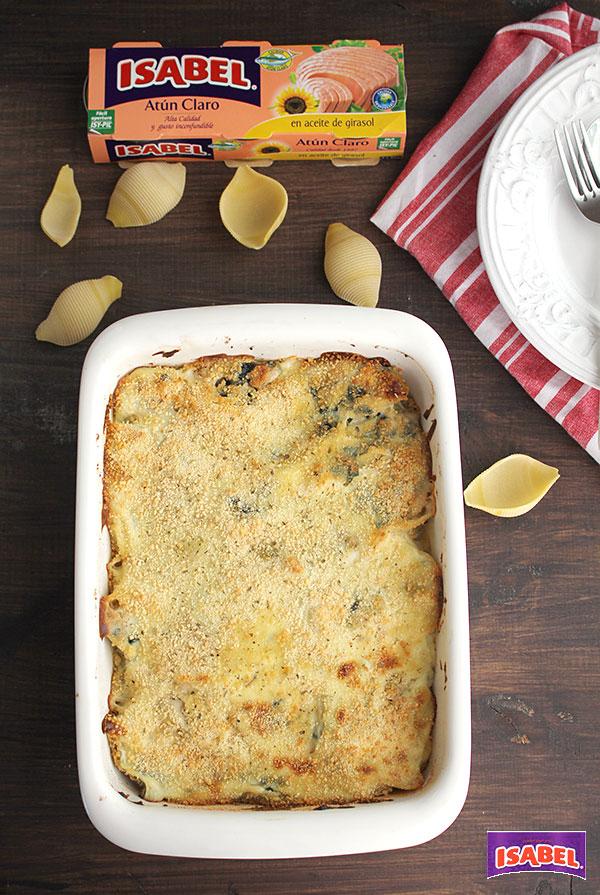 pasta rellena con espinacas y atun