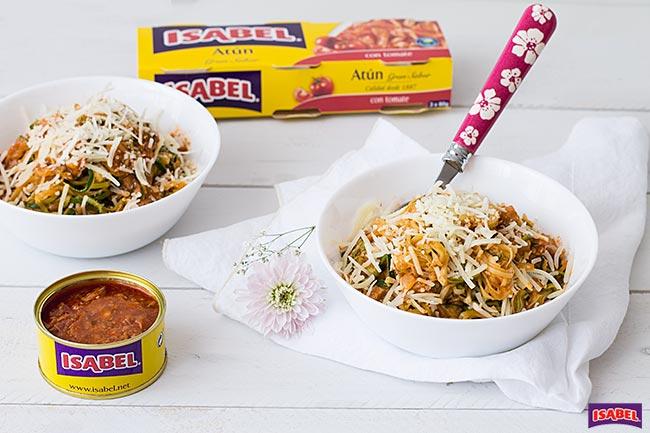 espaguetis de calabacín con tomate
