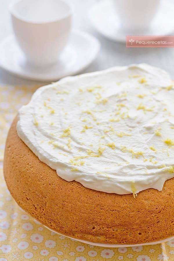 Bizcocho de lim n f cil y esponjoso pequerecetas - Bizcocho de limon esponjoso ...