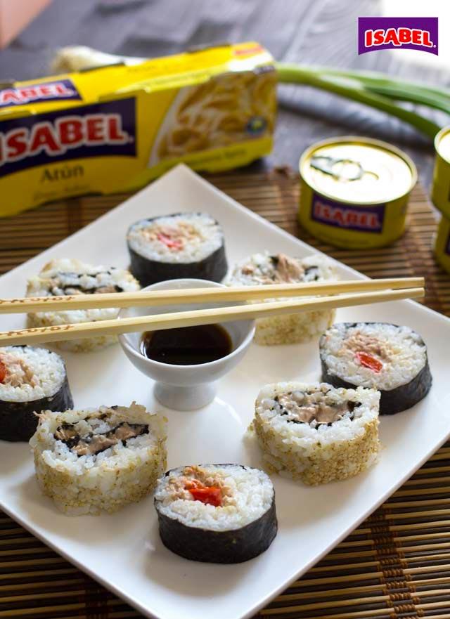 como hacer sushi maki roll de atun