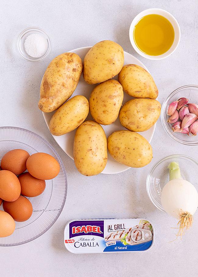 ingredientes huevos rotos con caballa al grill