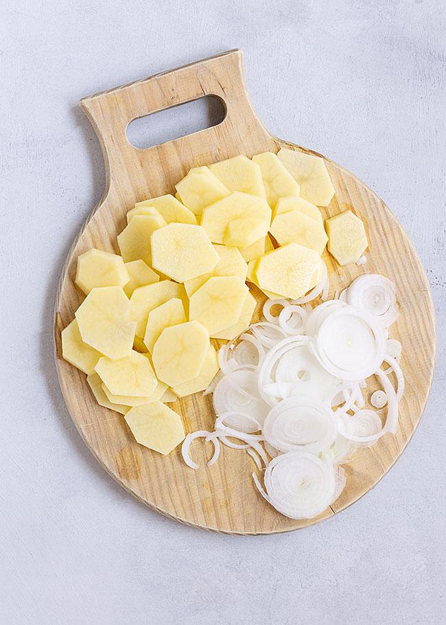 patatas y cebolleta fresca