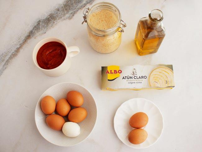ingredientes huevos rebozados rellenos de atun
