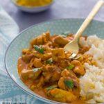 Pollo al Curry con nata y arroz basmati (receta FÁCIL)
